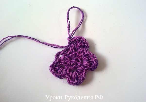 двух ярусный цветок, цветок связанный крючком, сумочка и вязанный цветок, полный цветок, вязание крючком для детей