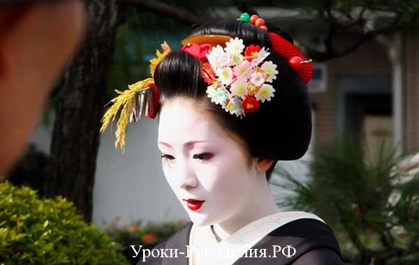 хана канзаши, как сделать свисающие канзаши, украшение из цветов на голову, история гейш