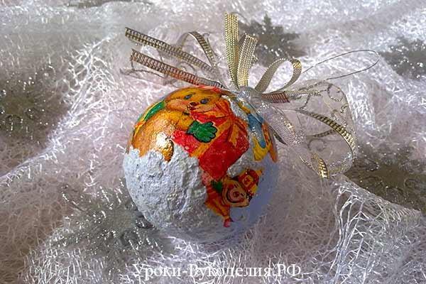 снег как сделать декупаж, ёлочный шарик своими руками, декупаж новогоднего шара, клей лак декупаж, мастер класс по декупажу шарика