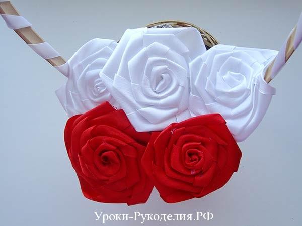 плоские розы из лент канзаши, большие розы канзаши, свадьба невеста букет
