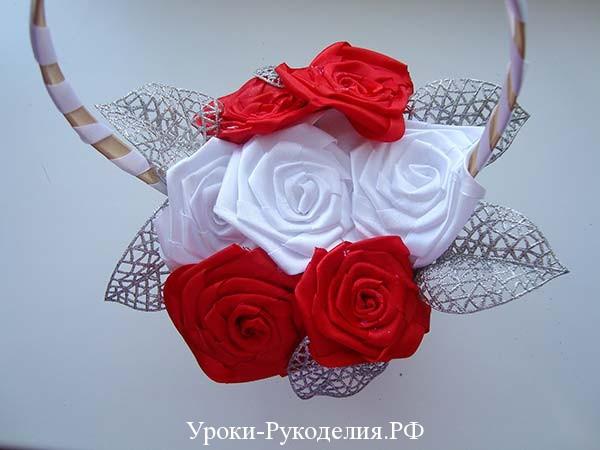 свадебная корзина канзаши, воткнуть розы в корзину, лепестки для роз в букет, мк канзаши розы