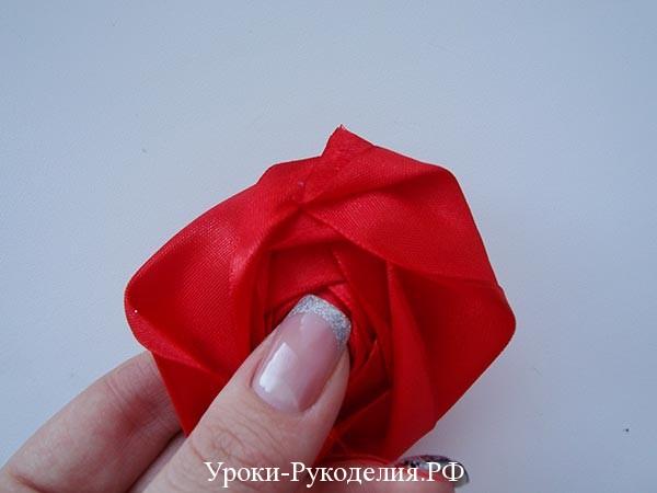 техника канзаши, цветы из лент розы, букет невесты своими руками