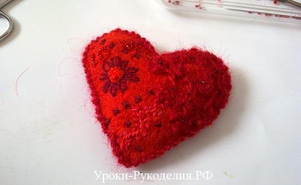 вышить крестом, расшить бисером, сердечко декоративное, что подарить на валентина