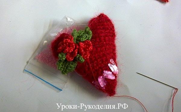 вязаный букет для валентинки, праздник 14 февраля подарок