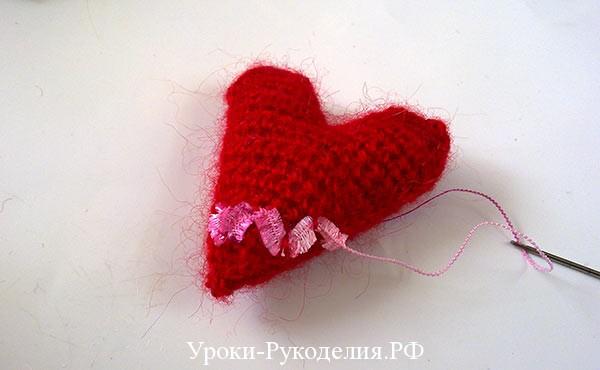 декоративная дорожка вышить, вышивка на вязанном