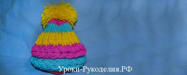 Вязаная шапка крючком с поперечными косами