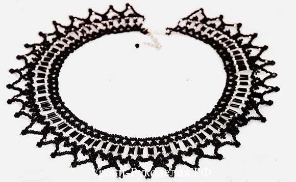 чёрное колье из бисера
