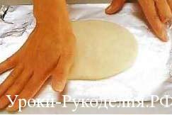 замешанное тесто для лепки