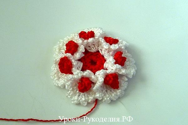 красивый цветок для украшения