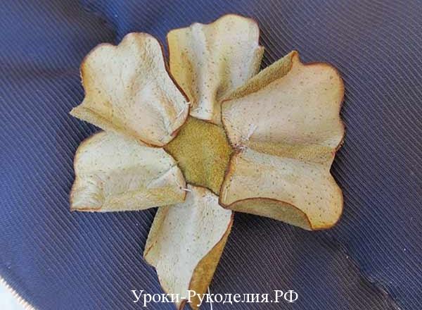 делать декоративный цветок