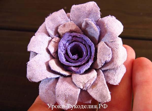 покрасить бумажную розу