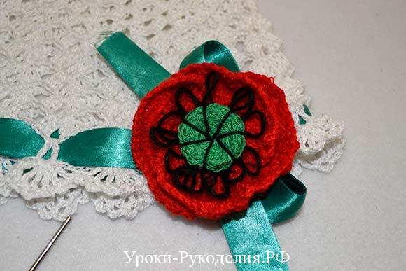 вязаная шапочка с цветком
