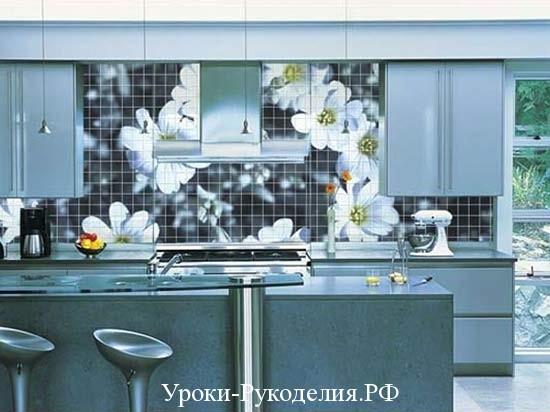 цветная стена кухни