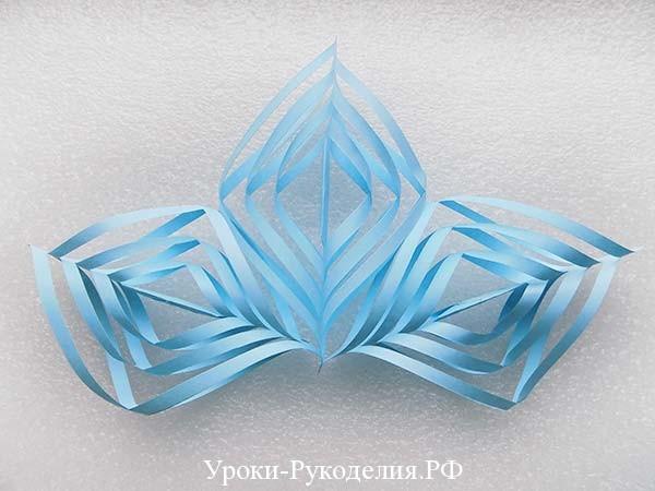 снежинка из бумаги вырезаем