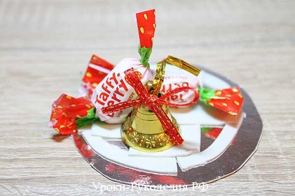 делаем подсвечник с конфетами