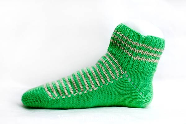 вязаный носок на 2 спицах