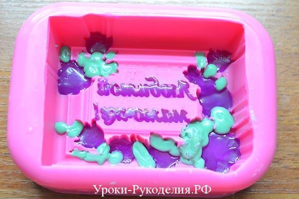 делаем цветное мыло