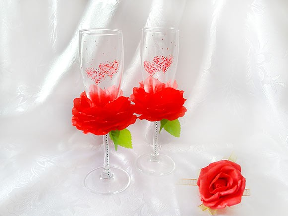 бокалы с розой