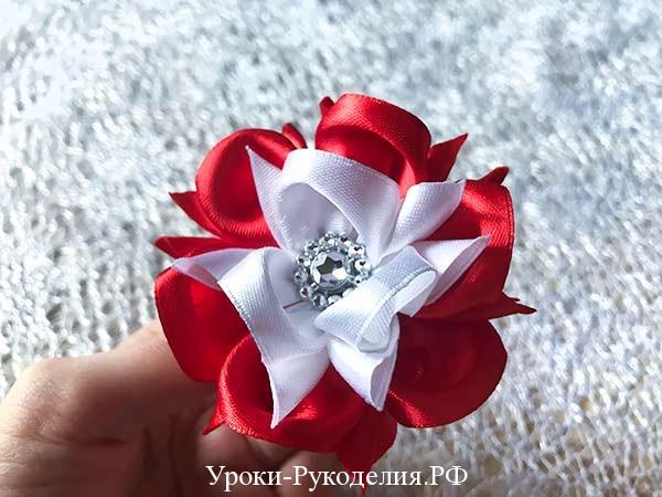 цветок на резинке