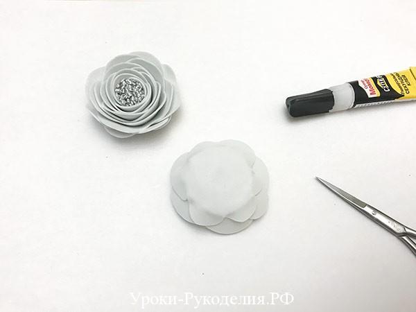 основание у розы